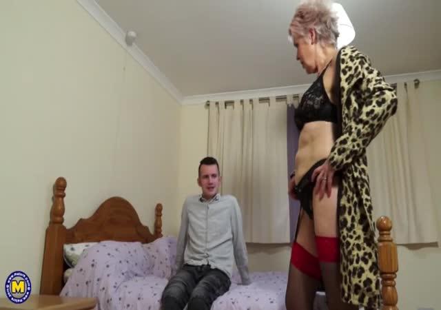mamis cachondas videos de abuelas follando